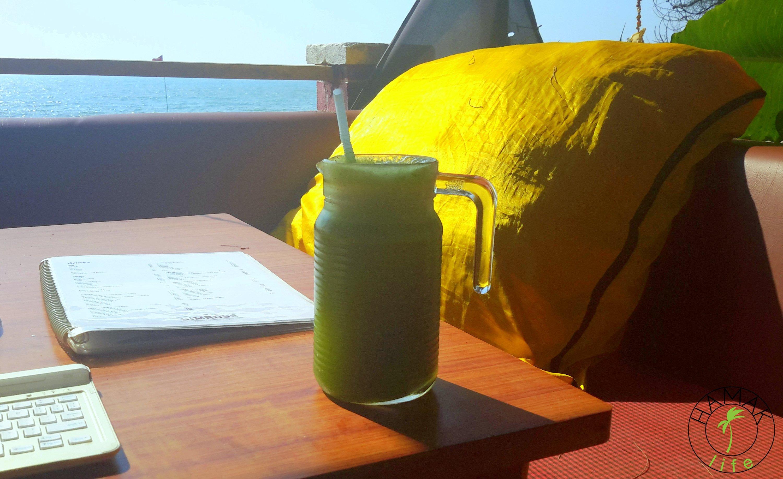 Lemoniada w Indiach na zielono to miła alternatywa dla soku z kokosa.