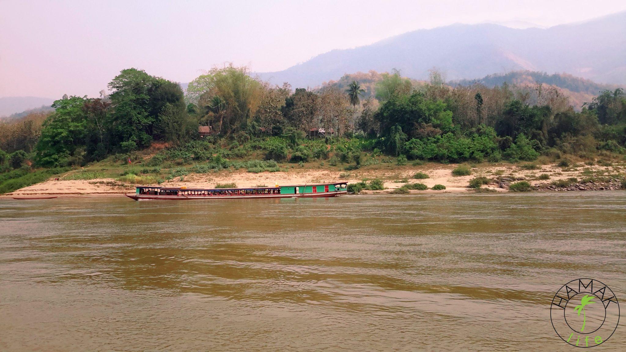 Spływ Mekongiem w Laosie