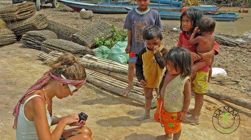 wśród kambodżańskich dzieci
