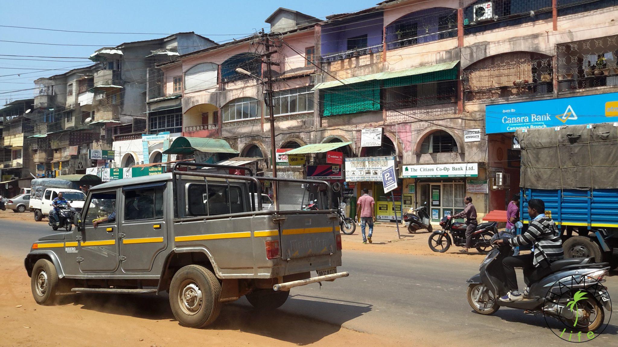 W drodze do Margao. Na Goa w Indiach.