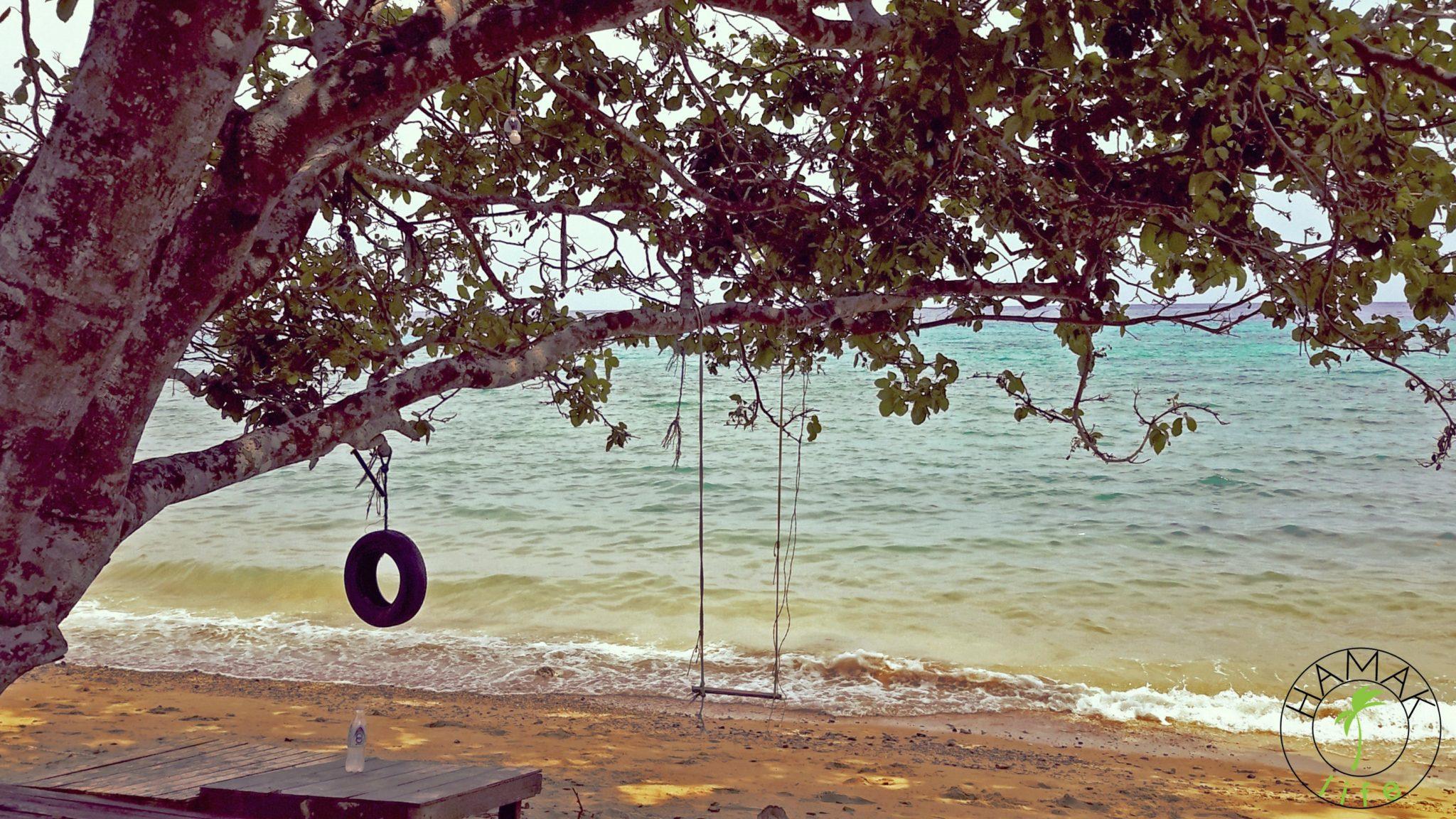 Pulau Tioman. Huśtawki nad brzegiem morza. Świetna miejscówka na śniadanie z Wenus.