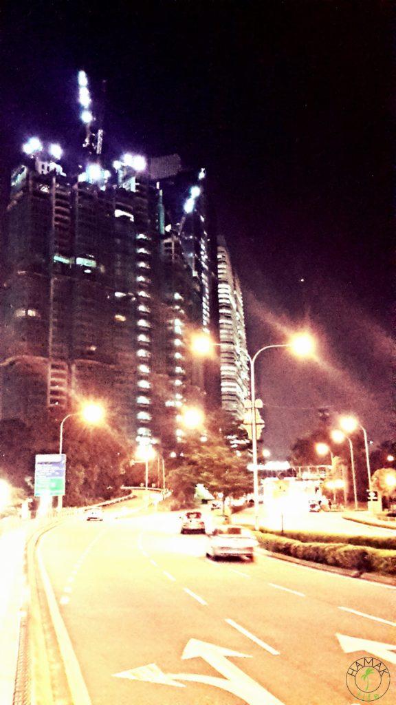 Kuala Lumpur nocą.