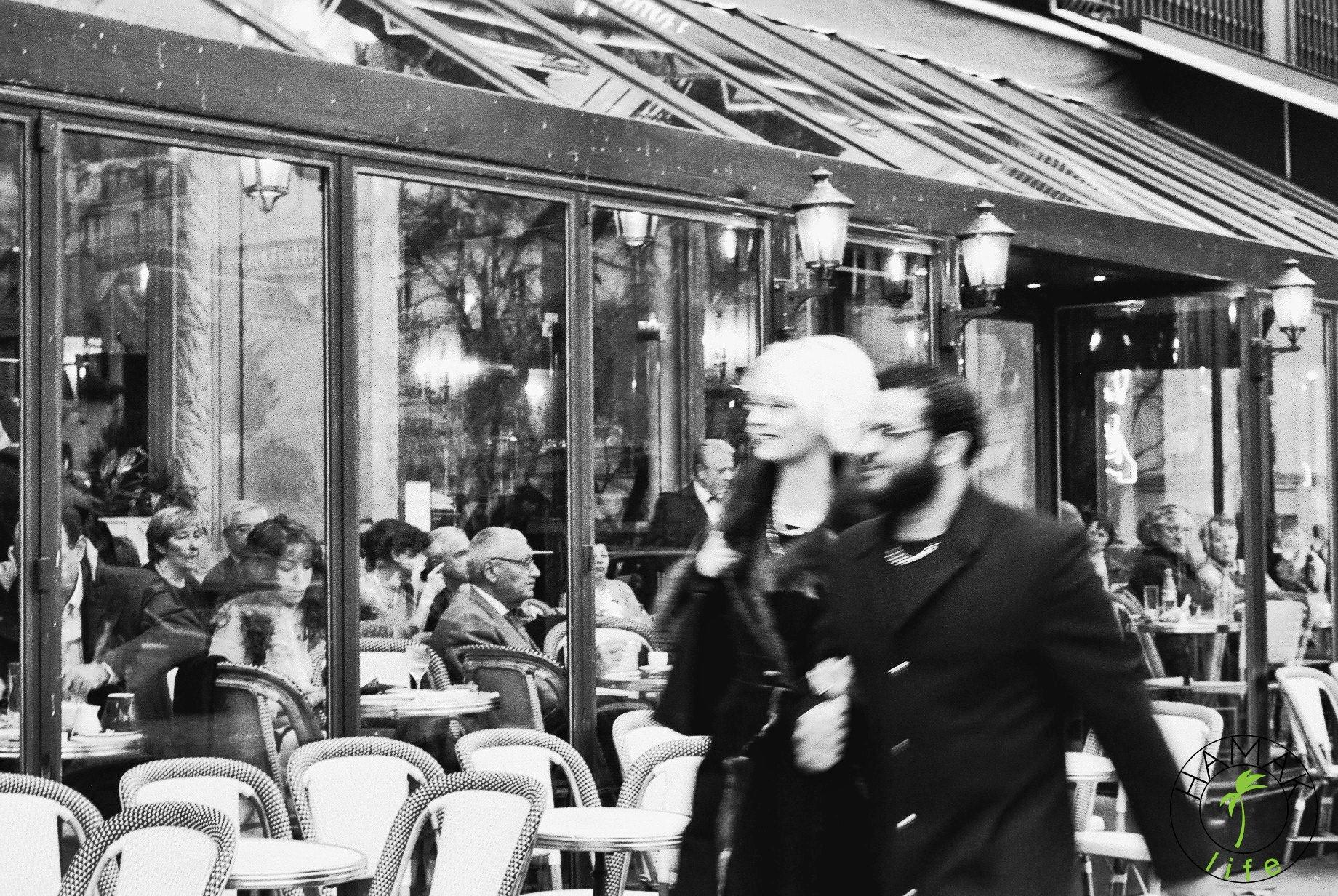 Kawiarnie paryskie w okolicach Bastille.