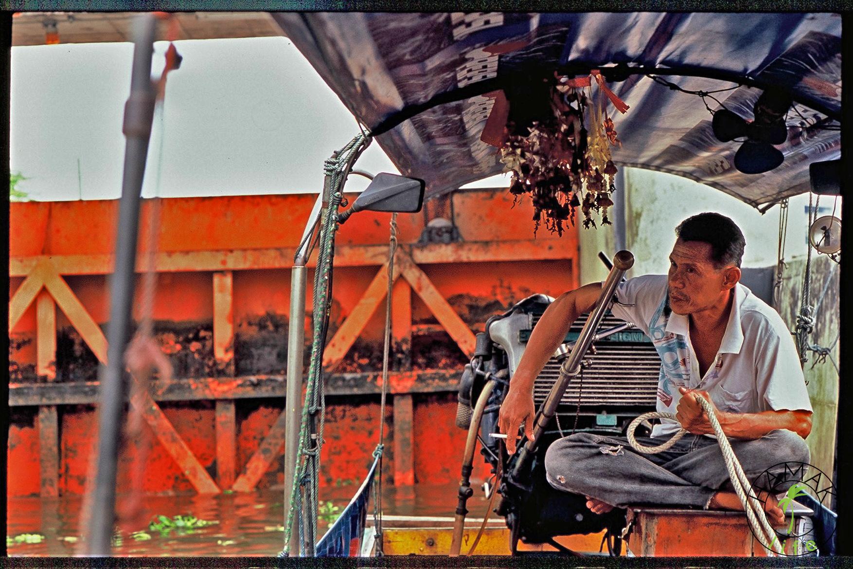 Kanały w Bangkoku. To tutaj John Burdett m.in mapuje akcje swoich powieści