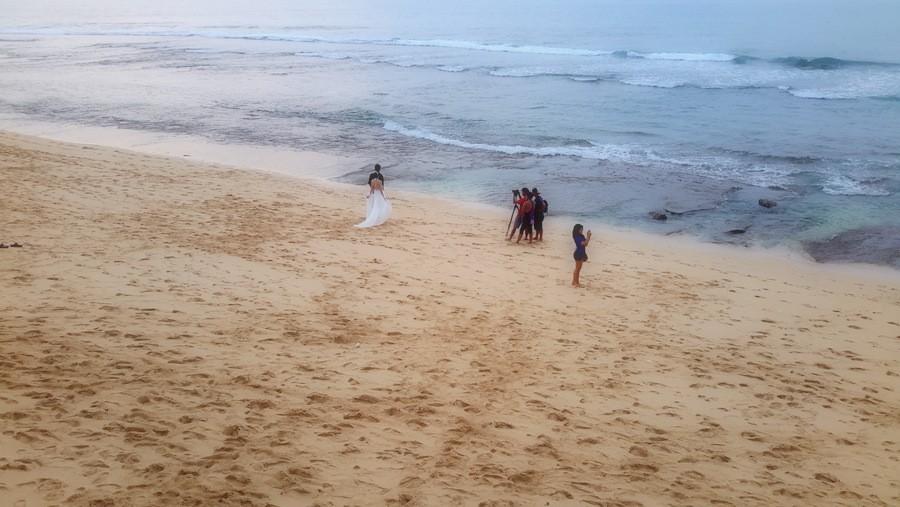 Sesja ślubna na plaży na Bali, ale tak też się może skończyć Erasmus